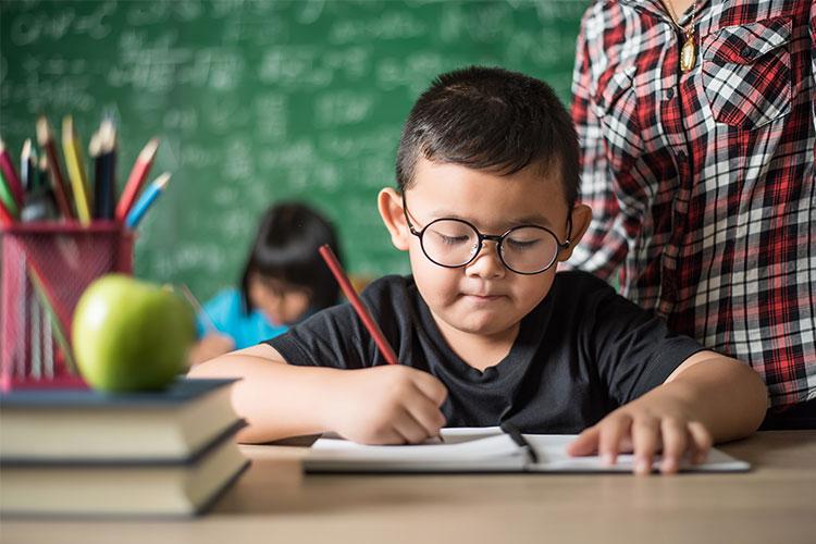 5-Cara-Mendidik-Balita-untuk-Menulis