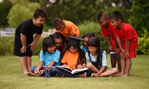 Menumbuhkan minat baca anak dan mendidik jiwa anak
