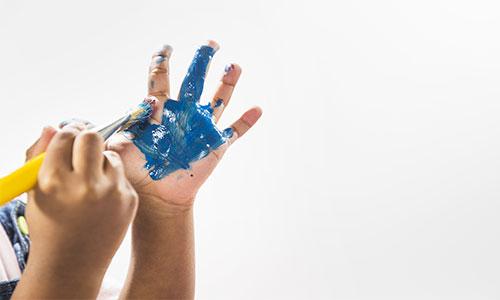 Cara-mengajari-balita-finger-paint
