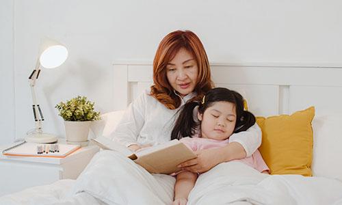 Manfaat Berdongeng Sebelum Tidur